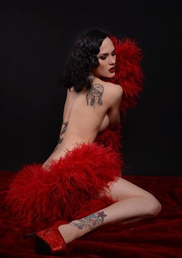 burlesque-2537727_1920